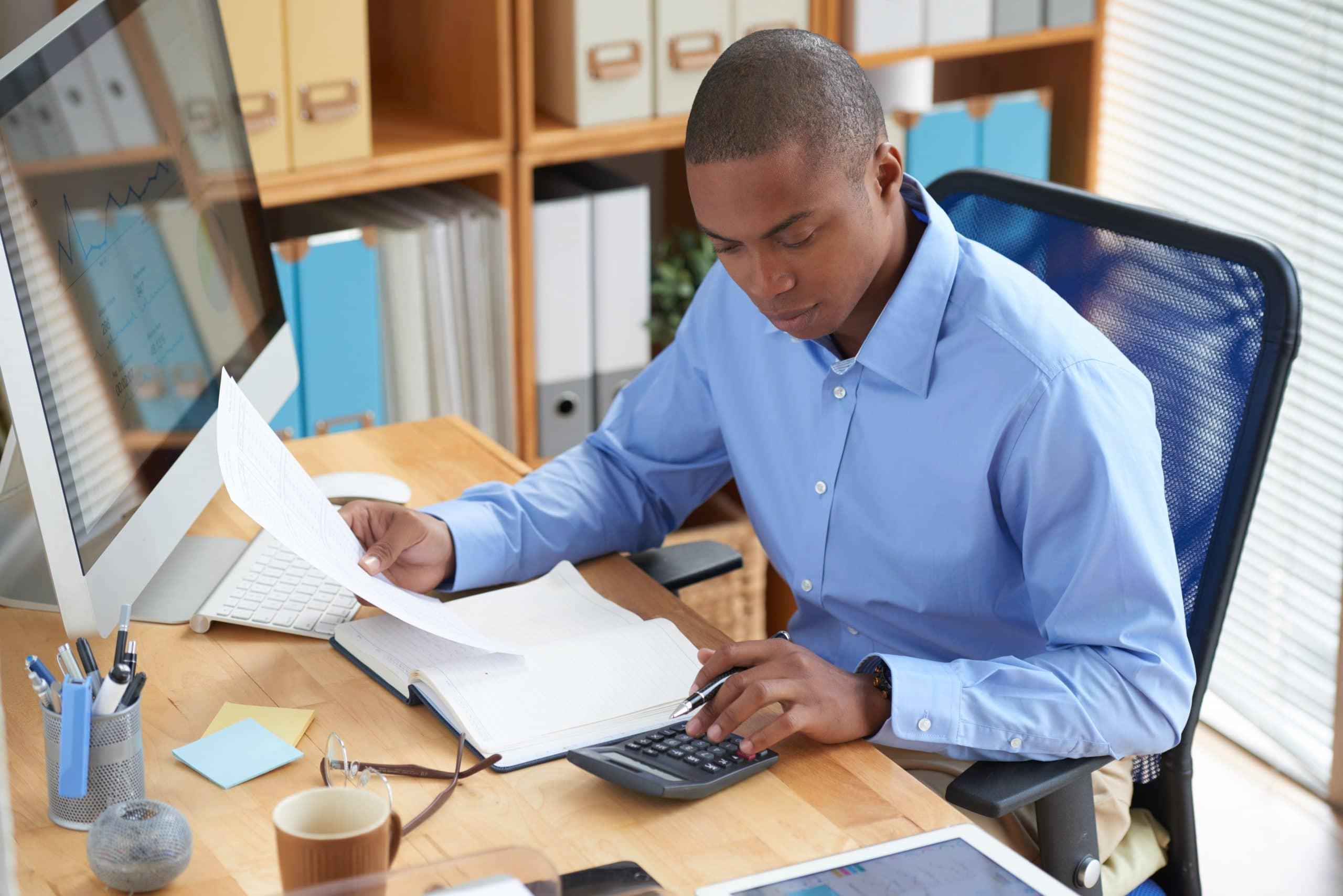 A contabilidade digital permite que o contador e o cliente tenham acesso a informações sobre a empresa de modo mais rápido e seguro, do que com a contabilidade tradicional.