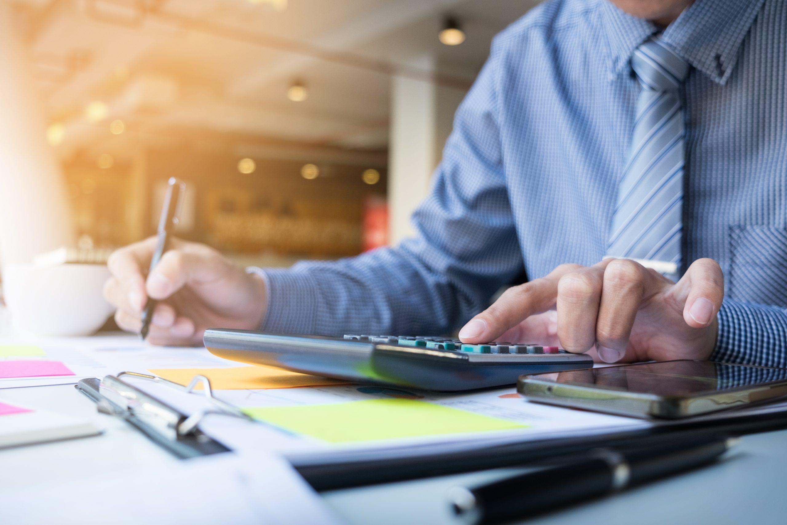 Entenda porque é importante dar baixa na empresa, quando esta já não funciona mais e porque um profissional de contabilidade deve ser acionado